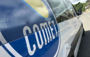 mini bus with Comet logo