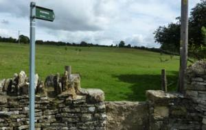 Public footpath to Asthall